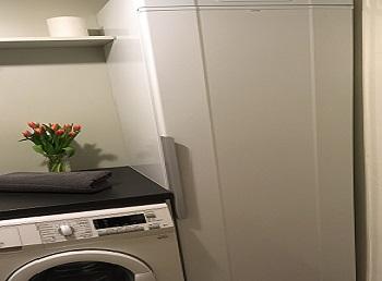 Waschmaschine und Trockenschrank