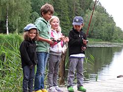 Fiske från bryggan Grimstorpsjön